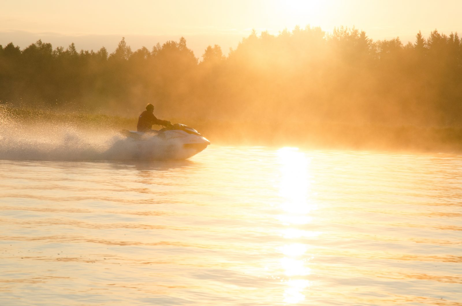 Hotel Ivalo-Jetski-Safaris-Midnight-Sun-2